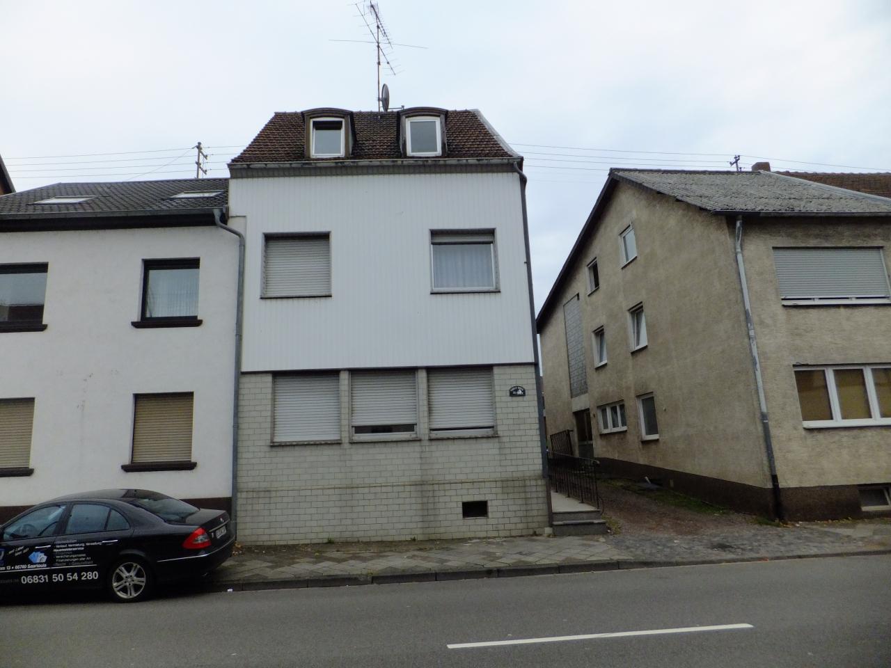 Osbild-House  12.08.2018 - D- 66740 Saarlouis, 2 x Appartement for 10 - 12 people.